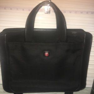 Winger/Swiss Gear briefcase EUC